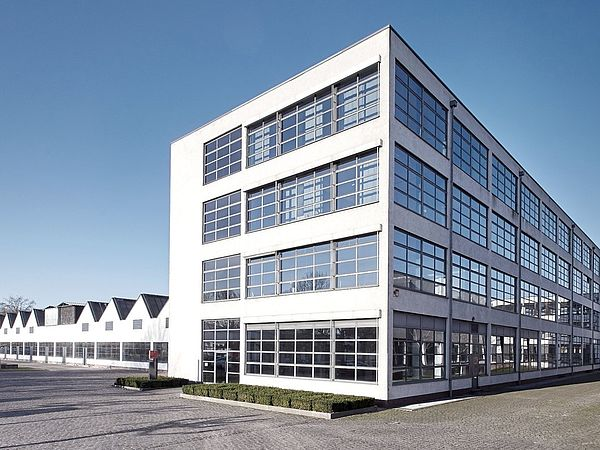 All Inclusive Büro im Mies-van-der-Rohe Business-Park